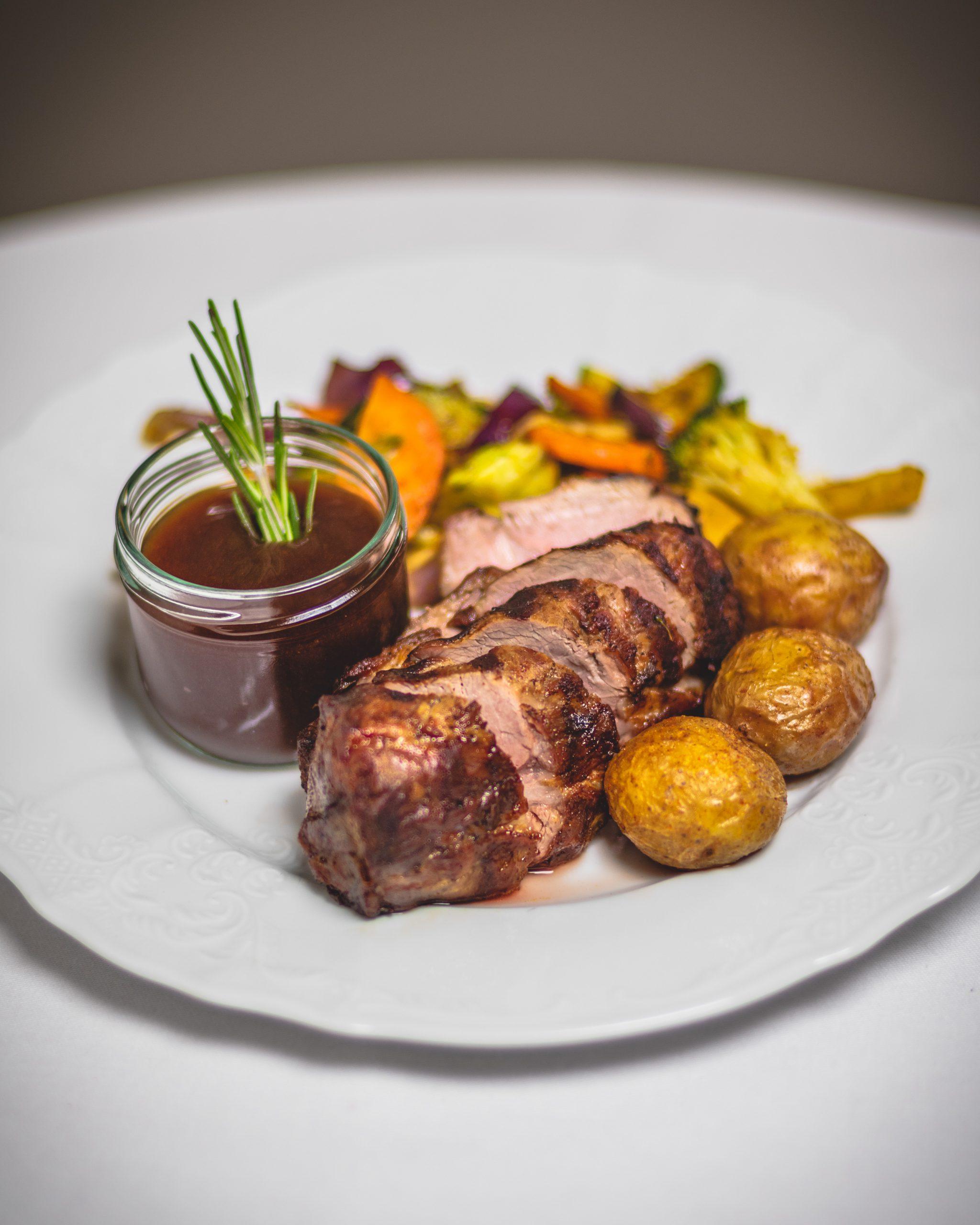 Hotel_Dyrholaey_Restaurant_Lamb_1